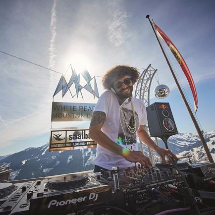 White Pearl Mountain Sunset Session mit DJ Deep Duen